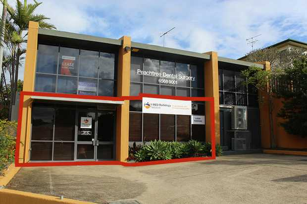 Medical strata suite in busy professional centre. 
