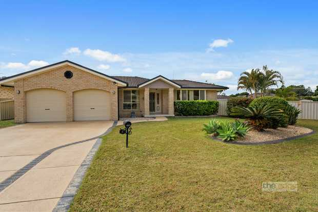 This home represents great value for the growing family.  Located in a quiet cul-de-sac within one o...