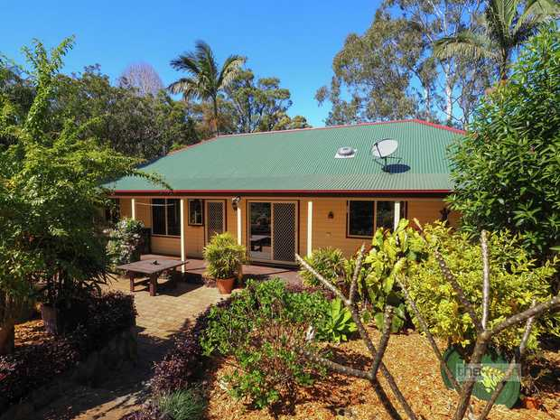 An exciting lifestyle opportunity in Boambee with a touch of Colonial Australiana in a picture perfect...