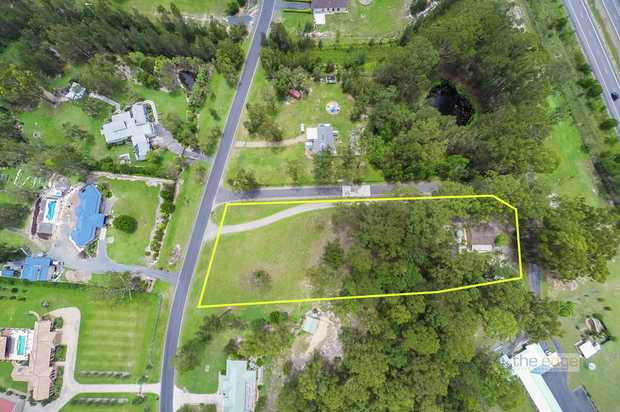 """Approximately 8526m2 (0.856ha) of almost level land positioned in """"Heritage Park Estate"""" with an ori..."""