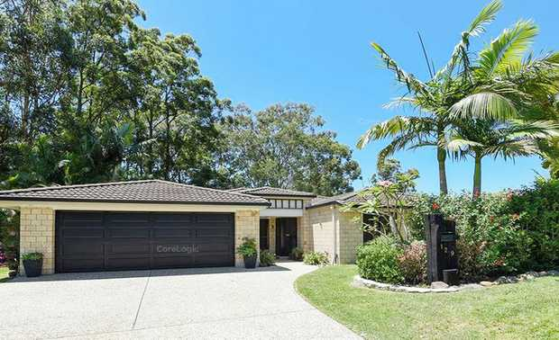 Nestled in a sough after neighourhood close to local schools and shops, sits this spacious family home.