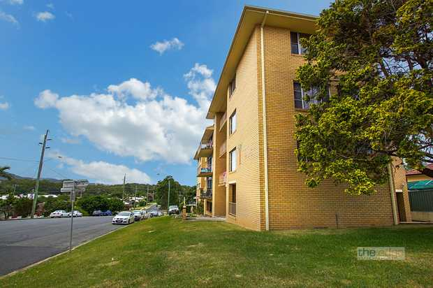 Ideally located within walking distance to the Jetty strip and the Coffs Harbour CBD, this two bedro...