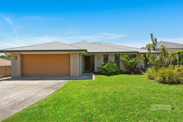 Perfectly positioned just a short walk to Moonee Beach Estuary and reserve and within moments of Moo...