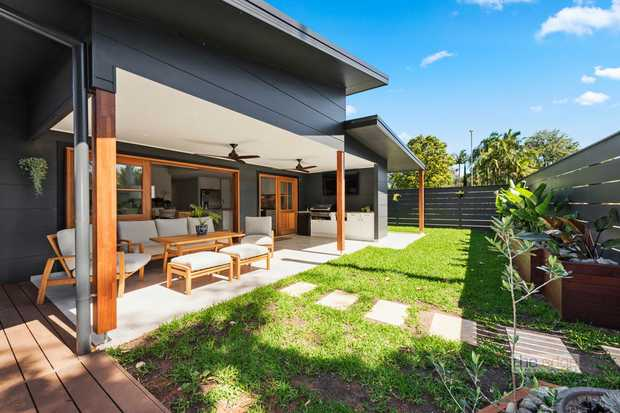 In the ever popular beachside suburb of Korora you will find this exceptional recently built home in a...