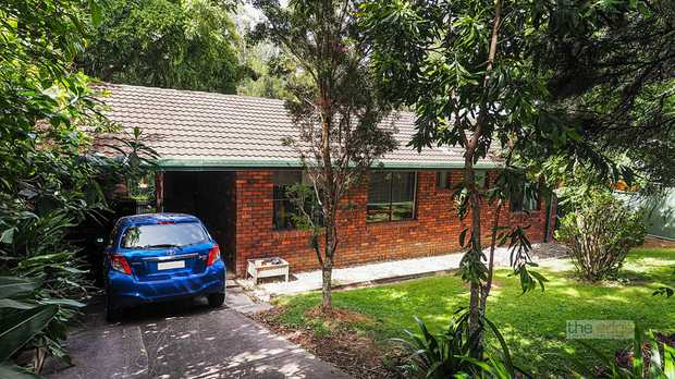 Make your dream a reality at a reasonable price.  Moonee Beach is an ever popular beach suburb loc...