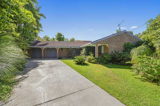 Beautifully maintained, this superb single level family home is situated in a quiet cul-de-sac on 957m2...