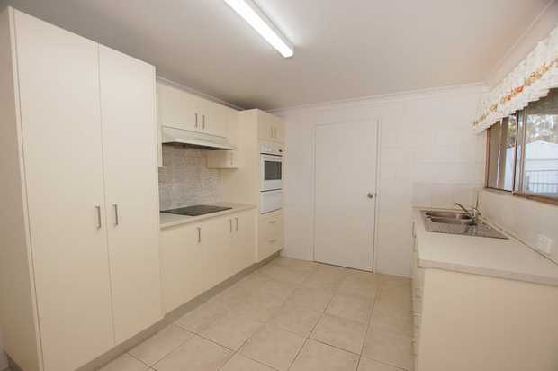 Located at the Clay Target/Model Aeroplane Club, this spacious 1 bedroom unit has been completely...