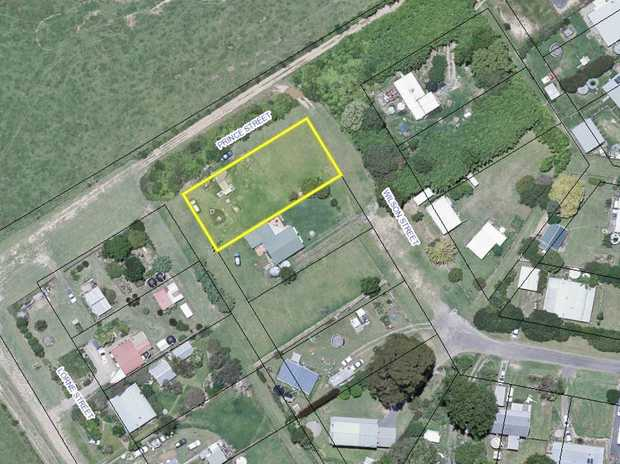 Set in rural Lowanna a rare opportunity awaits to build your very own home.