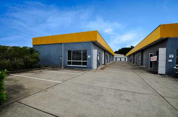 One unit has become available in this popular industrial complex which neighbours together small...