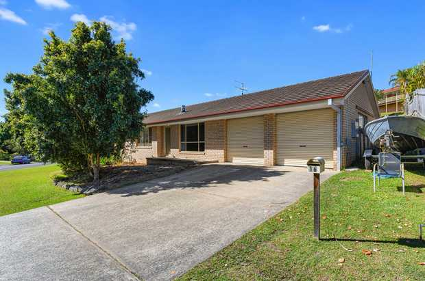 Nestled in a quiet pocket of Boambee East this 3 bedroom home is perfect for young families looking to...