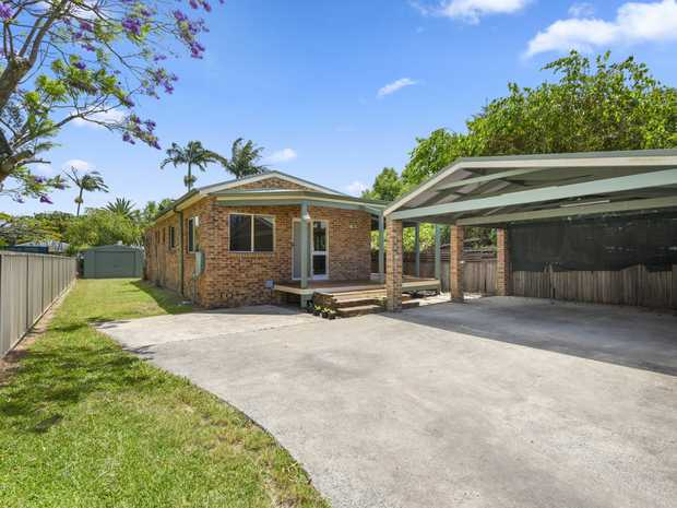 Set in a quiet location in a block of two positioned at the back, this home is ready to move straight...