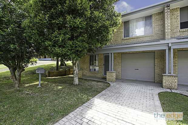 This well positioned two bedroom solid built duplex located in Moonee Beach is within walking to Moonee...