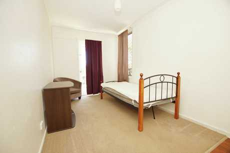 This furnished studio room within a house is close to the Jetty and features: own kitchenette, shared...
