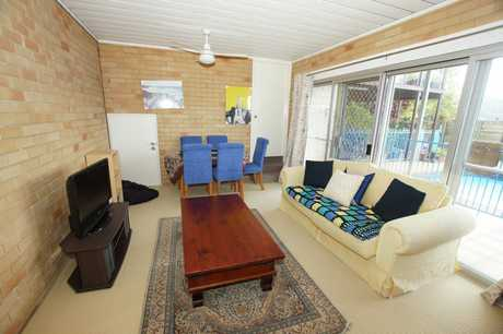 This fully furnished one bedroom granny flat is located close to Coffs Harbour's town centre and...