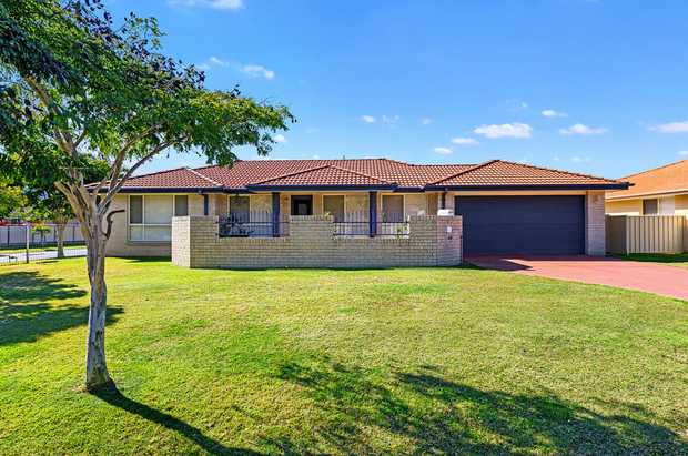Three-bedroom family home with just a short walk to Coffs Harbour CBD, shops, restaurants, cafes and...