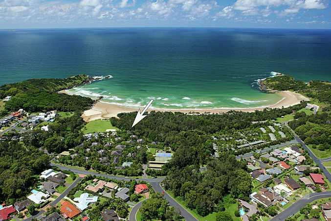 """""""Kasuari"""" fronting Beach Reserve..."""