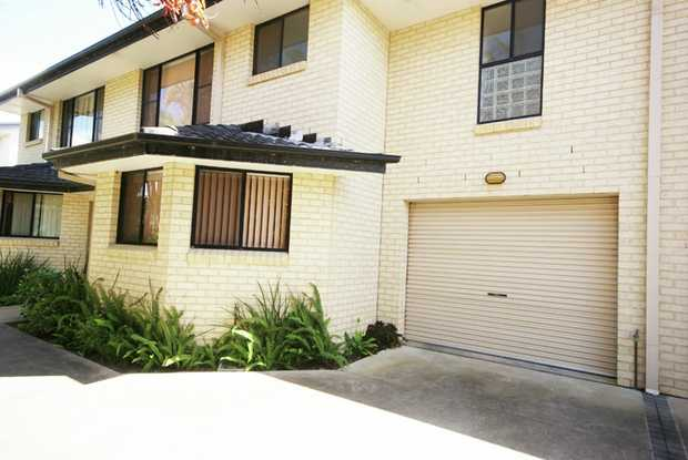 This modern beachside townhouse is located opposite a beautiful beach of Coffs Harbour and is within...