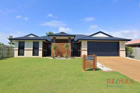 Outside pets on application. Executive style 3 bedroom brick home in quiet location in Kalkie.  The...