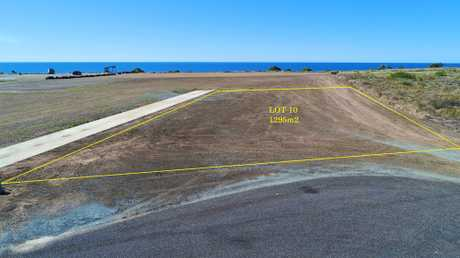 Lot 10 is a generous 1295m2 allotment located in Hamptons Estate, Burnett Heads newest and only ocean...
