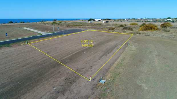 Lot 12 is a generous 1481m2 allotment located in Hamptons Estate, Burnett Heads newest and only ocea...