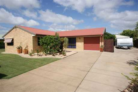 Low set brick home featuring 3 bedrooms with built-ins. The living area and main bedroom are air...