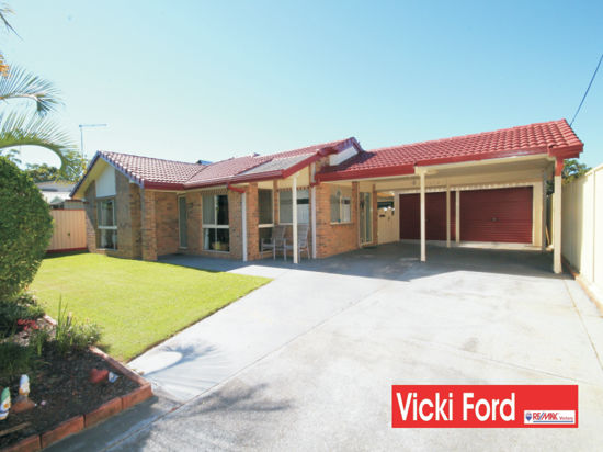 This beautifully presented home is situated on a 700sqm fully fenced block offering 4 space car...