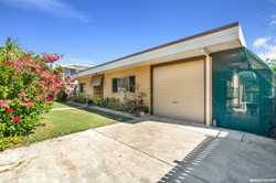 Invest for the future.  This home sits on a 607m2 block and is located within a minutes walk to the...