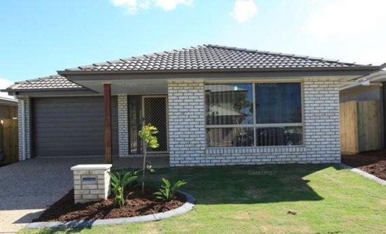 Features included:-  * 3 Bedrooms, carpet, fans & built-ins * Main bathroom with en-suite *...