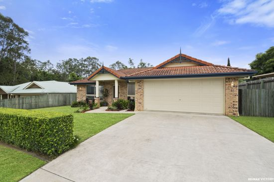 Perfectly positioned at the end of a family friendly cul-de-sac.  This one owner property has been...