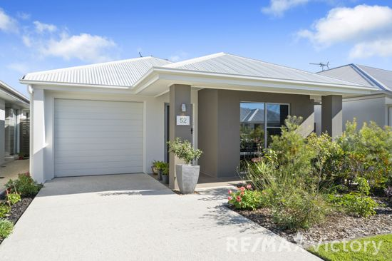 Low maintenance living at it's absolute finest.  This gorgeous Wentworth designed property has been...