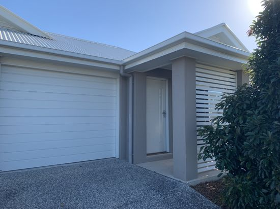 Dual Key in small, pretty estate of Griffin just north of Brisbane City. The home comprises of 3...
