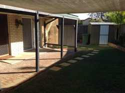 This neat and tidy unit is located in a quiet complex, close to shops, schools and public transport....