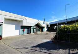 * High quality complex with only light industrial business surrounds. * Exceptional well designed co...