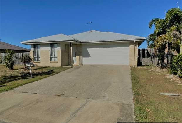 This 4 bedroom home has a Double lock-up garage with remote entry.    Located in the Pioneer Lakes...