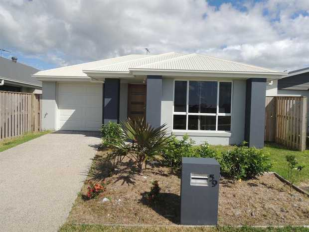 PERFECT HOME FOR YOU This 3 bedroom home is the ideal home for a small family or couple. It is situated...