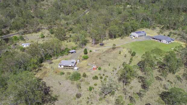 This is an incredible opportunity to secure a stunning 40 acre lifestyle property just a short drive...