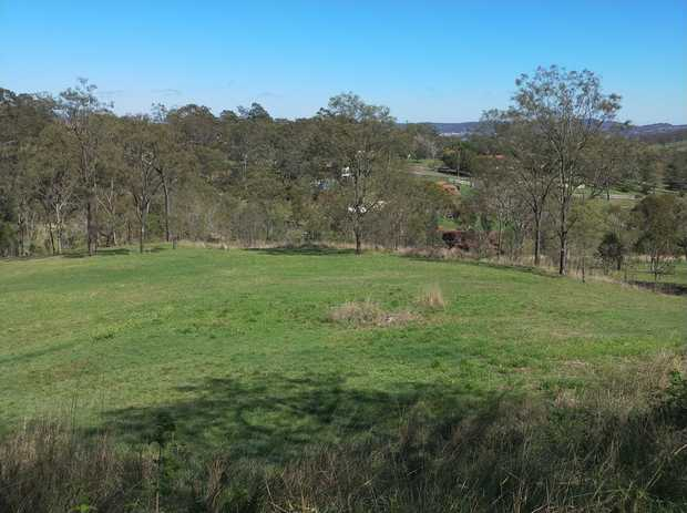 Totalling 8659m (2.16 acres) this magnificent lot is ideally positioned and is set well off Greenwattle...