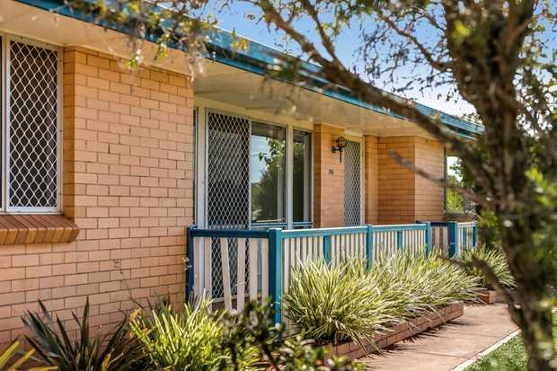 Conveniently located within walking distance to Centenary Heights State High School this classic brick...