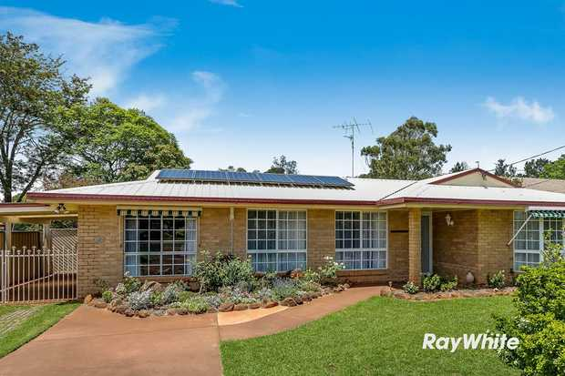 Located at the end of a quiet cul-da-sac on a large 705m2 fully fenced block with parkland one door up...