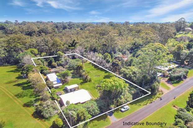 Located in beautiful Mary Cairncross Avenue, and backing onto the iconic Mary Cairncross Reserve, this...