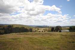 If you are after views, then look no further. On offer is this amazing 7080m2 (1.74 acre) allotment....