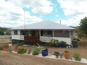 BEAUTIFUL OLD QUEENSLANDER WITH POTENTIAL FOR INCOME