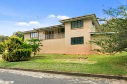 We are proud to present 1 Watt Lane, Gympie to the market. This spacious 3 bedroom brick home has ab...