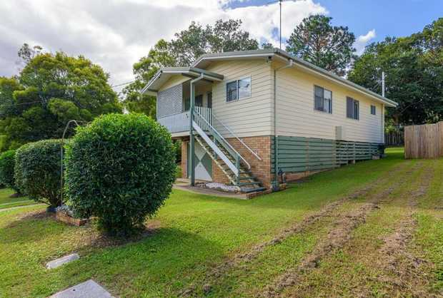 The property is perfectly positioned with it being just a short drive to Gympie's main shopping centre.