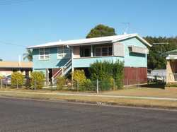 Just listed in the ever popular southside is a highset 3 bedroom timber home on a fully fenced town...