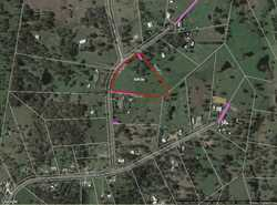 This great 5 acres (approx.) of land is conveniently located approximately 12 minutes from Southside...