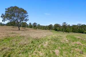 On offer is this 14.34ha (35.4 acres).  The property is located just a short distance from the Gympie's...