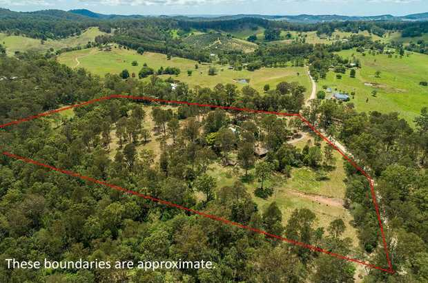 Located in a private setting, only 11 kilometres from Gympie, you will discover this 20 acres...