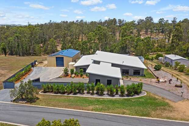 Situated on a 4767m2 block in the very popular Ridgehaven Estate, this property truly is one of a kind.