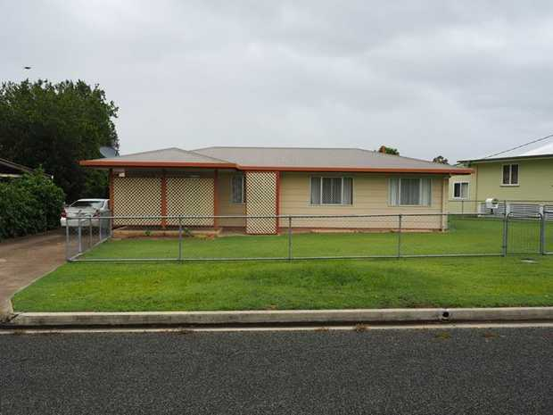 Wow oh Wow, you must inspect this property!!    Situated in the heart of Tin Can Bay is this very...